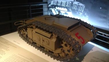 Czołg Mina Goliath w Muzeum Powstania Warszawskiego